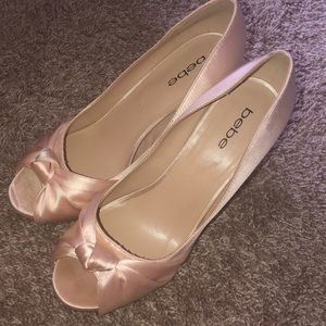 BEBE Rose' Champagne Heels
